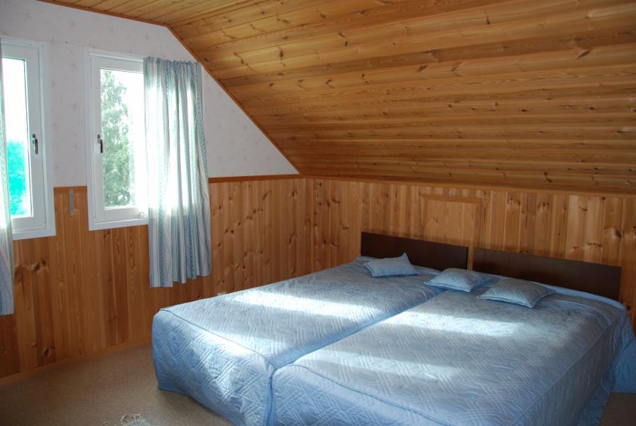 2. upstairs bedroom, 2 beds