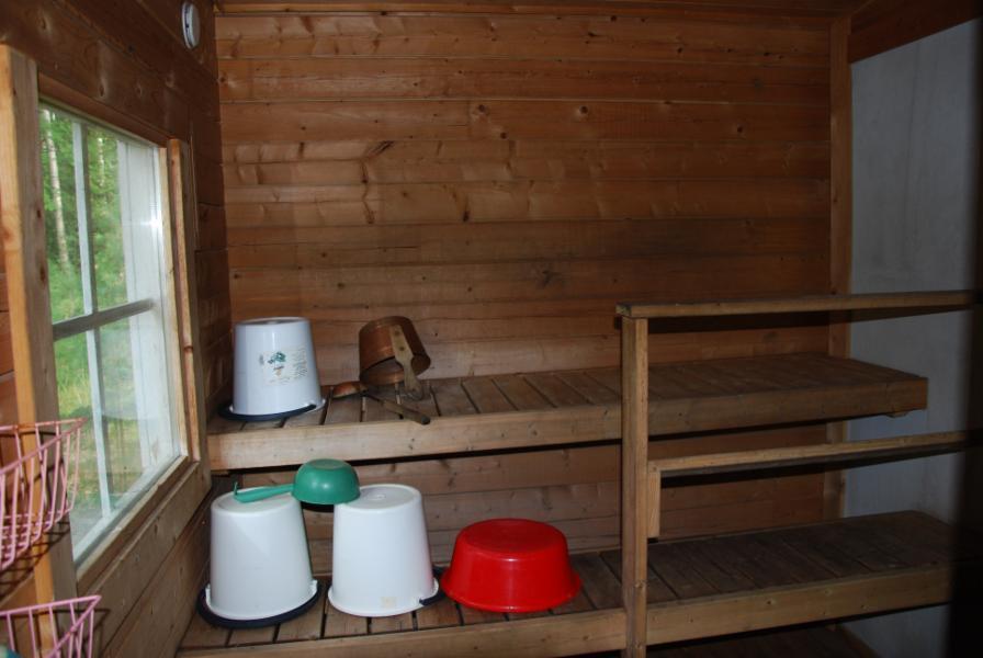 rantamökin puulämmitteinen sauna