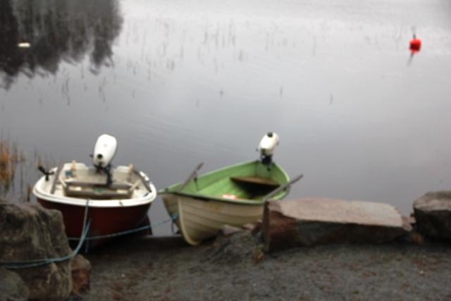 Soutuvene sis. hintaan. Lisämaksusta vuokrattavissa 1-2 perämoottoria.