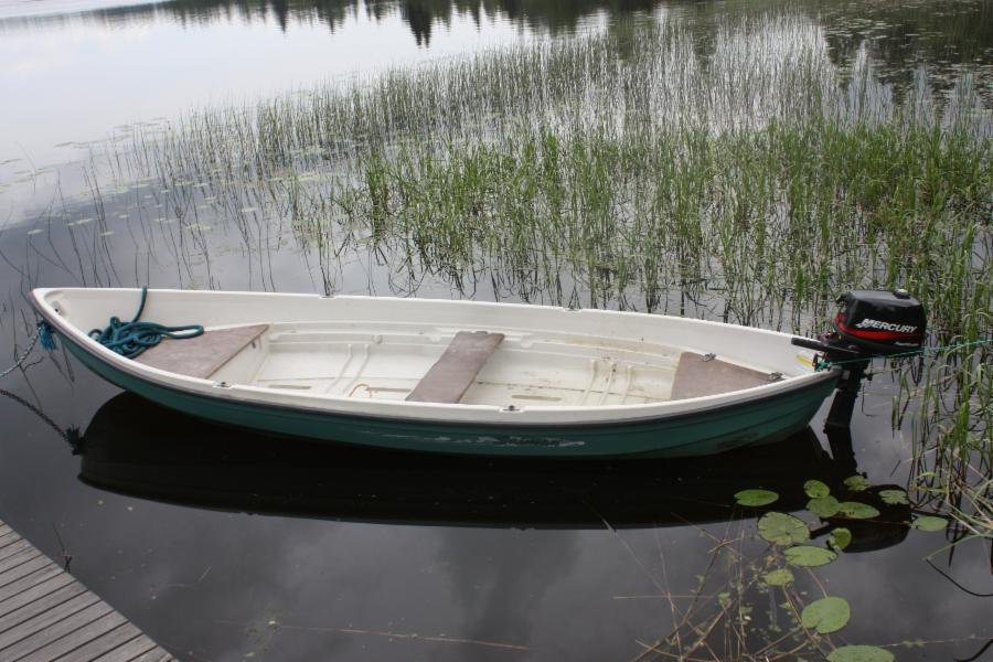 Rowing  boat included in price, possibility to rent motor boat.