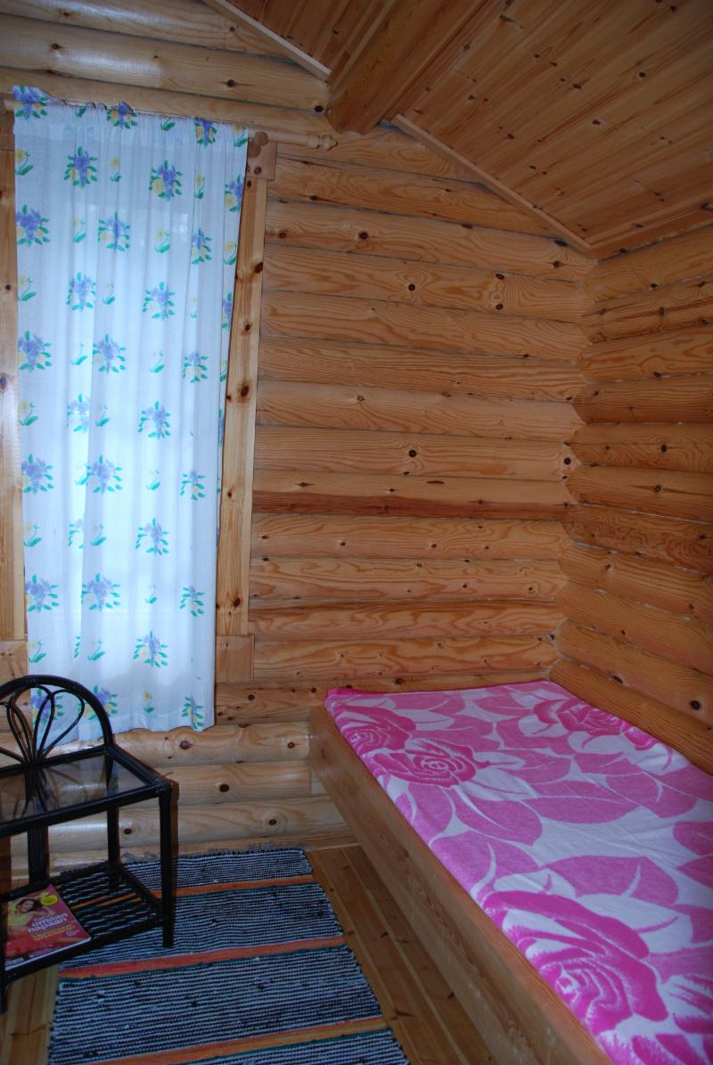 separate saunas dressing room/guest room in summertime