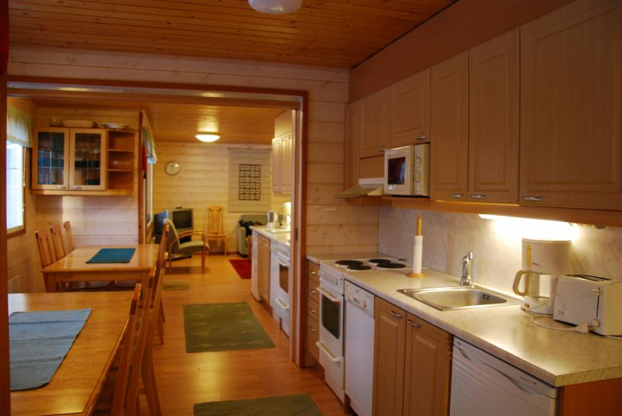 keittiönäkymä, kun väliovi auki (asiakas varannut molemmat asunnot 3a1 ja 3a2)
