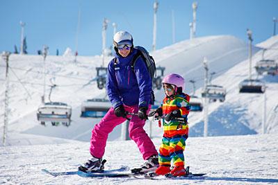 Downhill skiing/Snowboarding (winter)