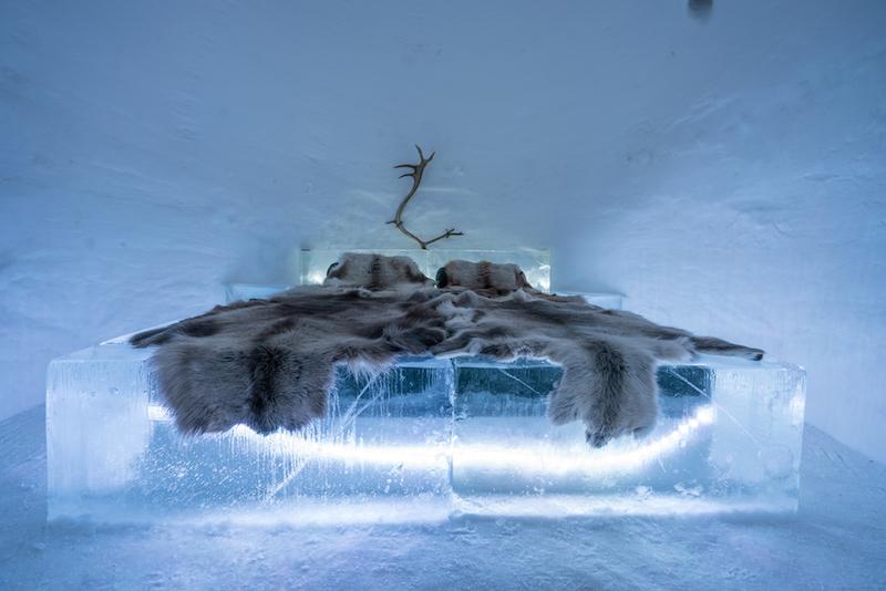 IGLUYÖ - eksoottinen yöpyminen iglussa